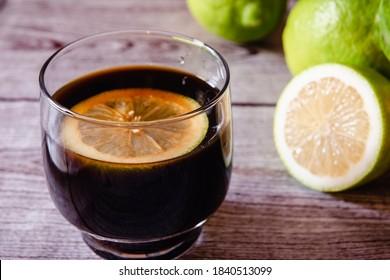 glass-coffee-lemon-slice-260nw-184051309