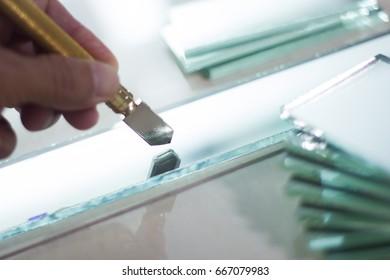 glass cutter tool cutting