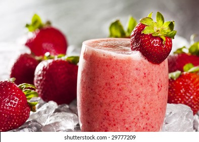 glass of freshly made strawberry smoothie