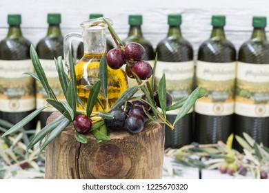 glass-jug-black-olives-leaves-260nw-1225