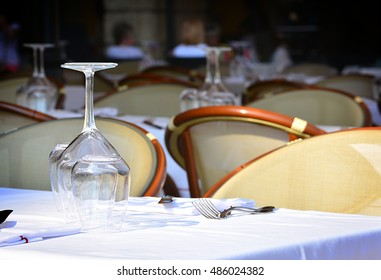 The glass on the table in the resaurant.