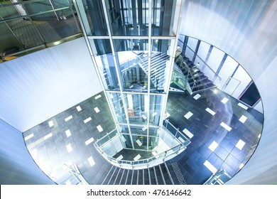 glass sighseeing lift with spinning staircase