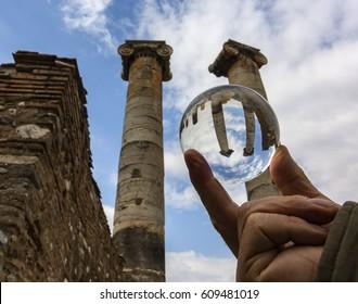 Glass sphere artemis