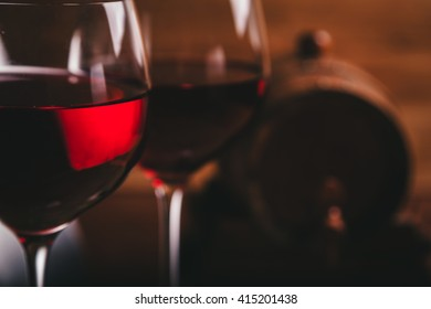 GLASS OF WINE CLOSEUP