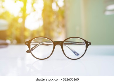 Glasses accessories personality to look good.