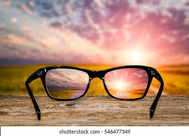 e0b188a341f glasses focus background wooden eye vision lens eyeglasses nature  reflection look looking through see clear sight