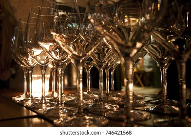 glasses wine by candlelight