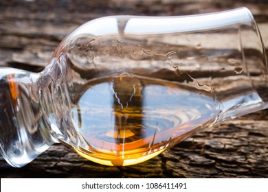 glencairn glass of whiskey close-up