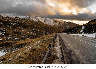 Glenshee lies just off the A93 road some 20 miles north of Blairgowrie. The resort is titled the 3 valleys of Scotland and when all lifts are open, the ski area really is quite extensive by Britain