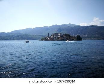 Glimpse of Italian lake