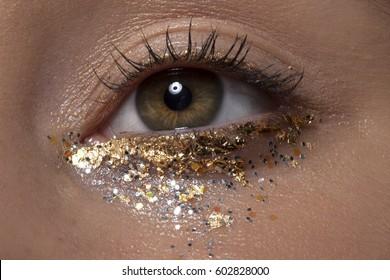 glitter eye makeup macro
