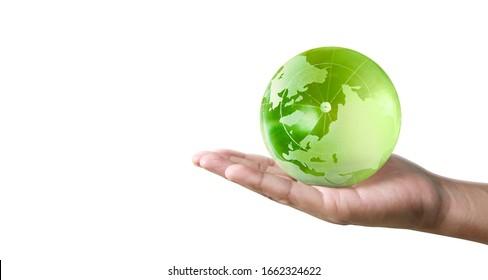 Globe, Erde in der menschlichen Hand, die unseren Planeten leuchtet. Erdbild von Nasa