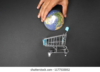Globe and empty cart