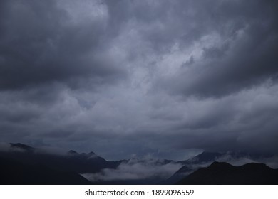 Gloomy cloudy sky with fog before the rain
