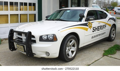 GLOUCESTER, VA - April 11, 2015: A gloucester county sheriffs car at the 29th annual  Daffodil fest and parade, The Daffodil fest and Parade is a regular event held each spring