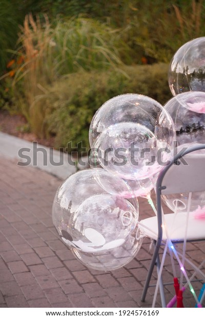 glowing-balloons-leds-on-sticks-600w-192