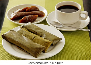 A Glutinous rice cake breakfast with coffee