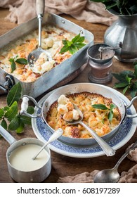 Gnocchi with cheese au gratin in the baking pan