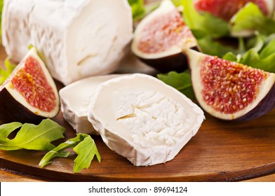 Goat cheese with rucola and figs