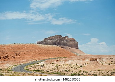 Goblin Valley rood to hoodoos