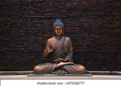 Buddha Bilder Stockfotos Und Vektorgrafiken Shutterstock