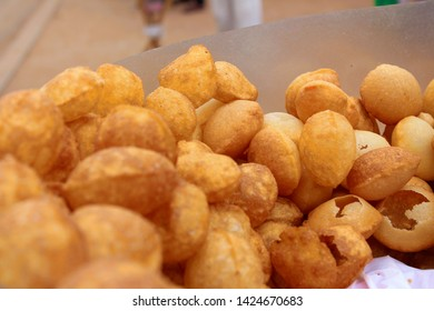 Gol gappe- an Indian food.