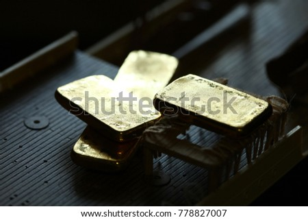 ff3eb3bc51e7 Gold Bar Put On Plastic Ship Stock Photo (Edit Now) 778827007 ...