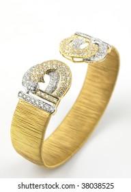 gold bracelet with diamonds