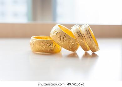 Gold bracelets for Chinese wedding