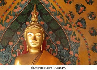 Gold Buddha in Wat Arun, Bangkok, Thailand
