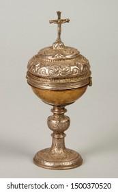 gold chalice of catholic religion