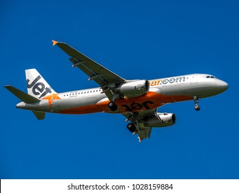 Gold Coast, Australia - February 17, 2018: Jetstar Airways Airbus A320 VH-VGI on approach to Gold Coast Airport