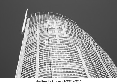 GOLD COAST, AUSTRALIA - MARCH 23: Q1 Tower on March 23, 2008 in Gold Coast, Australia. The building finished in 2005 is 323m tall and is world's 3rd tallest residential tower (2012).