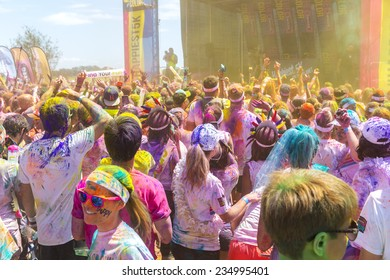 GOLD COAST, AUSTRALIA - NOVEMBER 30 2014: The Color Run is a worldwide hosted fun race with about 7500 competitors in Gold Coast.