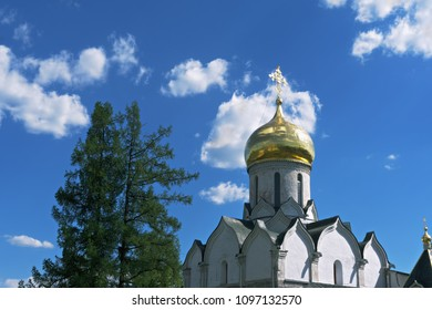 Gold cupola of Nativity cathedral in Savvino-Storozhevski monastery, located in Zvenigorod, an old town in Moscow region, Russia