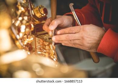 Gold leaf water gilding technique burnishing