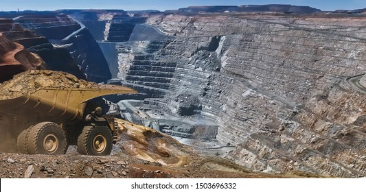 Gold Mine in Kalgoorlie, Western Australia. Large truck transports gold ore from the Super Pit, Open cast mine.