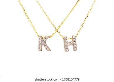 Gold pendant with diamond and necklace