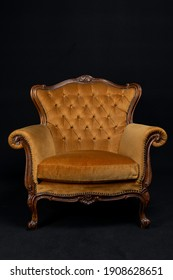 gold Vintage Chair chesterfield, queen anne, Velvet front view