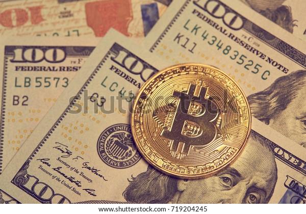 золотой биткоин, концептуальный образ для криптовалюты