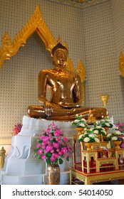 The Golden Buddha statue in Bankok
