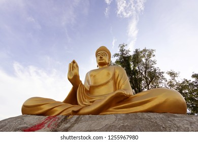 Golden Buddha Statue of the temple of Thailand