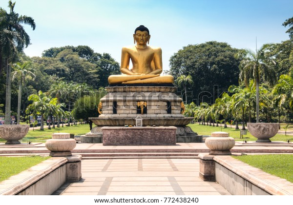 Golden Buddha Statue Viharamahadevi Park Center Stock Photo Edit Now 772438240