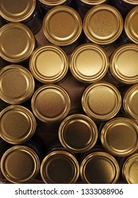 Golden can caps in abstrakt setup