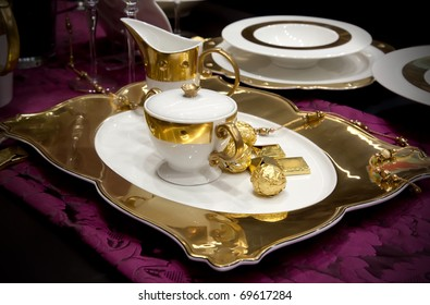 golden decoration in party table