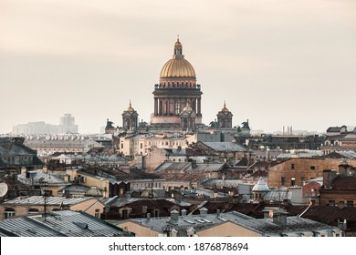 Golden dome of Saint Isaac's cathedral - Shutterstock ID 1876878694