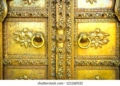 Golden door in City Palace. Jaipur, India