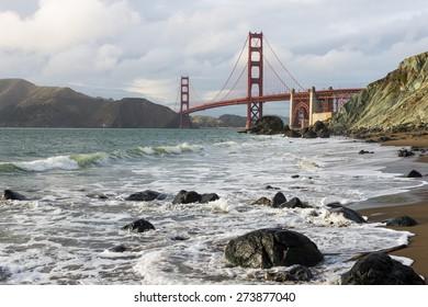 Golden Gate Bridge with beautiful Ocean Pacific