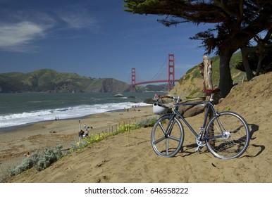 Golden gate bridge hipster bike in San Francisco bay, San Francisco, California, USA