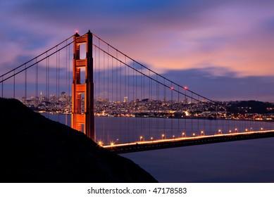 Golden Gate Bridge at night